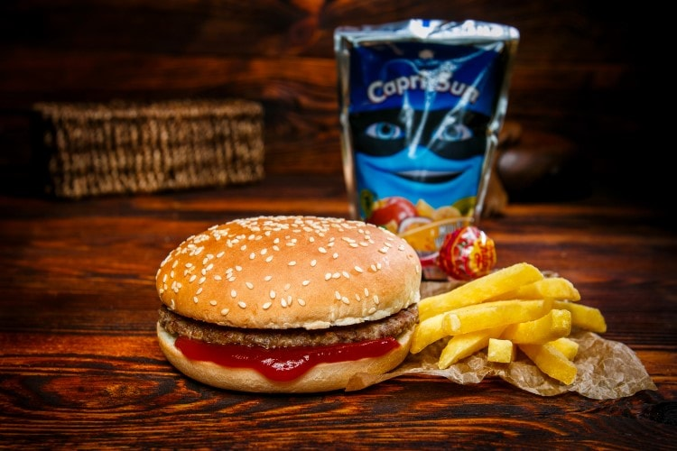 Kids Burger Menü (inkl. Capri Sonne, Chupa Chup)