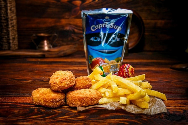 Chicken Nuggets Menü (inkl. Capri Sonne, Chupa Chup)